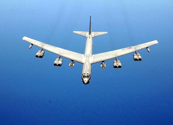 美军罕见就轰炸机闯南海对华认错 向中方做保证