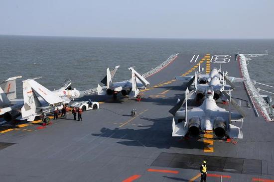 固定翼飞机采用滑跃起飞方式;舰上将配有满足任务