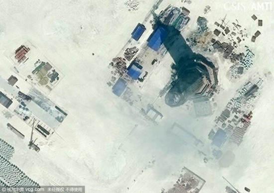 渚碧礁上建有一座八边形的高塔,可能是用作导航的灯塔