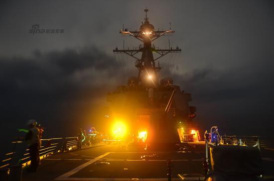 资料图:美军战舰巡航南海