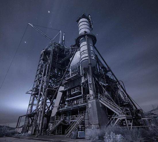 这座巨大的钢结构建筑曾经用于当时世界上最先进的核