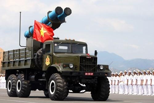 """越南的""""短程导弹"""",国际市场上大概再也买不到比这更便宜的远程精确制导火箭系统了……得等到中国推出类似的""""超低配置""""火箭弹吧……"""