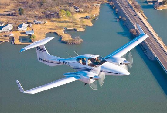 奥地利钻石飞机公司的DA42飞机