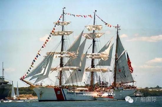 """意大利""""阿美利哥·威斯普西""""号风帆训练舰"""