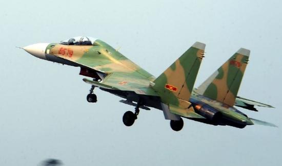 资料图:越军苏30战机