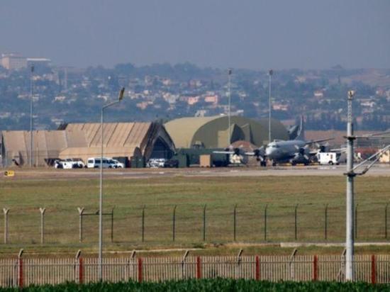 资料图:2015年7月28日,土耳其因吉尔利克空军基地。(新华/法新)