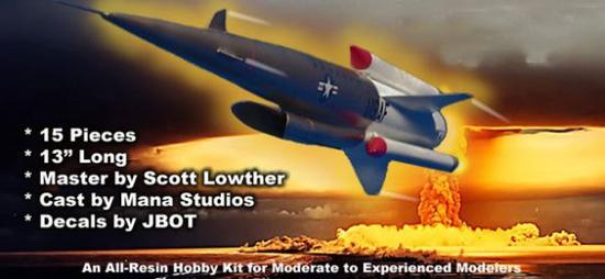 美国《国家利益》双月刊网站8月10日发表了史蒂夫魏因茨的题为《美军的终极冷战导弹本来会是个在空中飞行的切尔诺贝利》的文章,编译如下:   这是个完美的空中杀人武器一个拥有近乎无限航程的超音速无人机,它装载着氢弹以每小时超过4000公里的速度绕着地球飞行。   1957年至1964年间开发的冥王星超音速低空导弹可以说是世界上最疯狂、最致命的核武器系统之一。   这个火车头大小的巡航导弹会在苏联上空徘徊,然后下降至树顶的高度,以3马赫的速度在敌国领土上飞驰而过。在沿途它会抛下核弹。   假如真的完