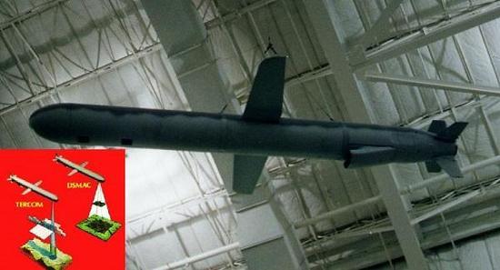 采用DSMAC的战斧巡航导弹,注意弹体下方的光学窗口