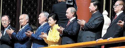 去年9月朴槿惠总统出席中国纪念抗战胜利日活动