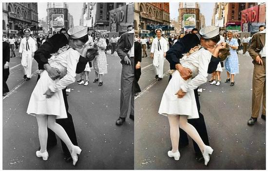 照片中,一名海军士兵正拥抱和亲吻一名素未谋面护士,这一幕发生在当地时间1945年8月14日的纽约时代广场