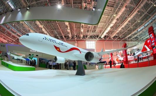 中俄远程宽体客机模型首露真容