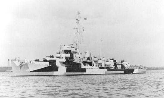 """在美国海军服役时的""""戴克""""号(太平舰前身)"""