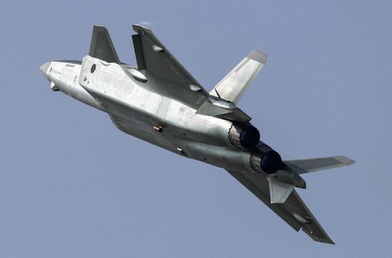 北京建造全球军民两用最大机场 可起降歼20及安225