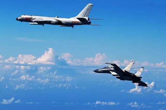 △护航轰-6K出西太平洋的苏-30MKK