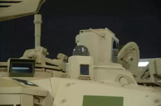 VT-4激光告警装置特写
