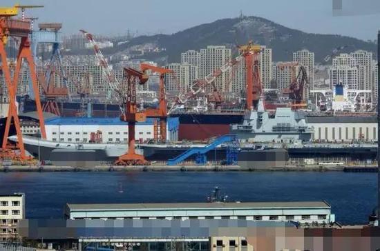 """17号""""山东""""舰似乎已经准备好在海军节正式下水"""