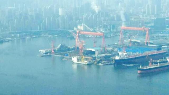 国产航母舾装进度喜人:中国将成第二航母大国