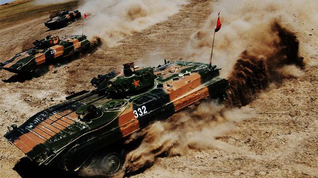 苏式风格很霸气!解放军86A步兵战车的狂飙猛图