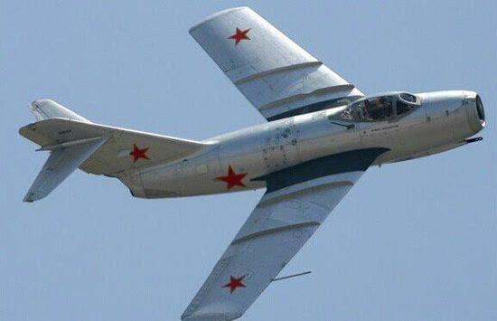 第一型国产大飞机c919下线,第一款国产大型运输机运-20的试飞,第四代