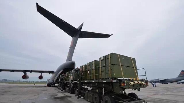 中国空军运20、伊尔76、运9演练高原战略投送