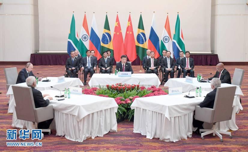 图:7月7日,国家主席习近平在德国汉堡主持金砖国家领导人非正式会晤。