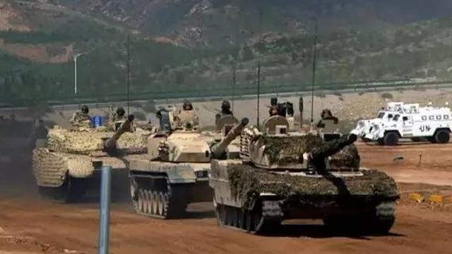 中国陆军装备最高水平!国产新坦克装甲车集中亮相