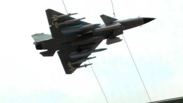 只是模型吗?疑似中国歼10B战机大挂载飞行照