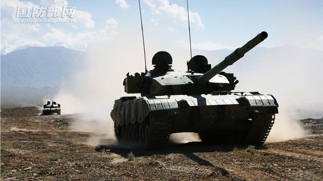 中国96A坦克高原演练:对印度越界我们仁至义尽