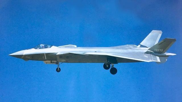 笑傲亚洲!中国歼20隐形战机逼美国赶紧升级F22