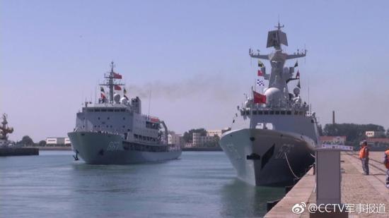 中方舰艇编队启航