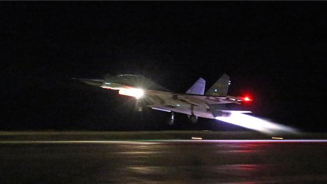 中巴空军首次开展夜航训练:预警机指挥引导