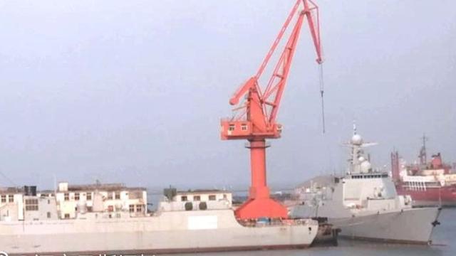 昨天还是网红!大批052D驱逐舰继续抓紧舾装