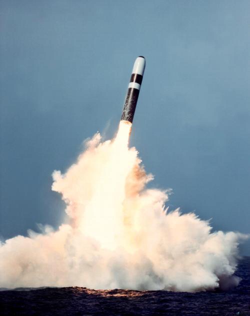 美新版核态势评审称将扩充国核力量 或终止核裁军