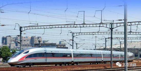 日媒感叹中国高铁震撼世界:速度最高 技术一流