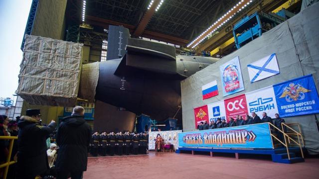 中国096要加油啊!俄改进版北风之神潜艇下水