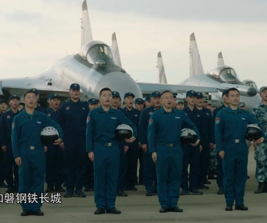 官媒再度曝光解放军苏35战机 光芒为何全被歼16抢走
