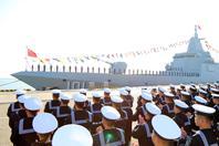 中国海军055型首舰南昌舰正式入列