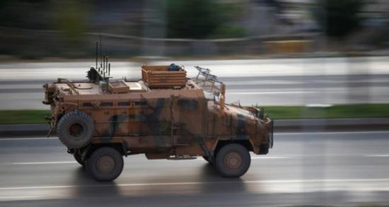 「金赞ag旗舰厅」重型武器上阵,叙土军队在叙北部激烈交火