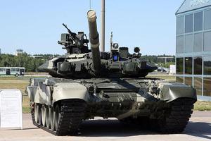 伊拉克政府近日从俄罗斯采购的73辆T-90主战坦克