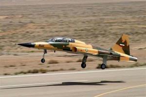"""伊朗加大新投产""""考萨尔""""战机产量 还可生产双座版"""
