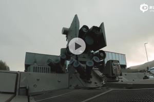 """阿贾克斯""""硫磺石""""反坦克导弹发射车"""