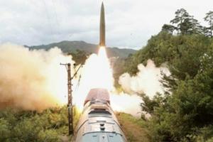 朝鲜首次曝光铁道机动导弹 精确打击800公里外目标