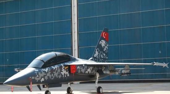 被踢出F35项目后 土耳其要用教练机充当航母舰载机