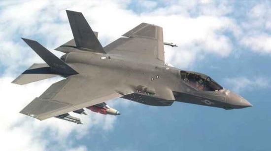 美媒:F35航电系统领先F22十年 只有歼20能匹敌