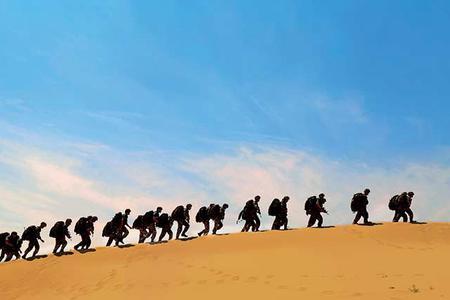 我合成旅大漠鏖兵美如画!
