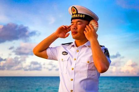 水兵摄影写真流露真挚情感