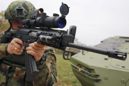 这款突击步枪工艺水平不赖