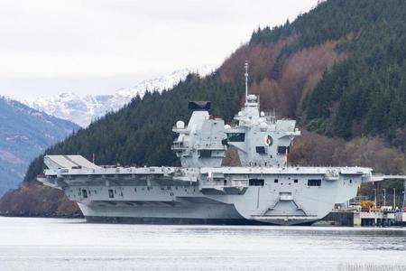 英国航母想和山东舰切磋?