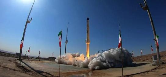 伊朗试射巨型火箭 美媒:或能载1吨重核弹头打遍英国