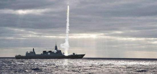 055驱逐舰是中国海军绝对的主力